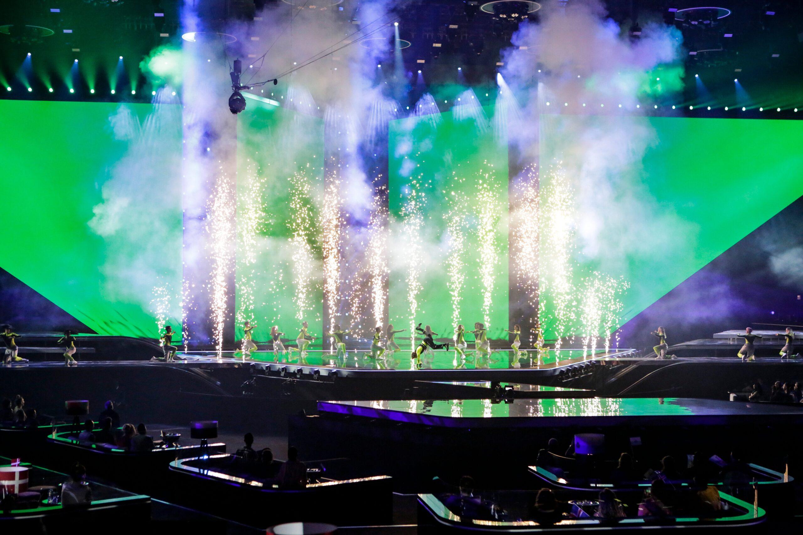 Redo tijdens de openingsact van het Songfestival