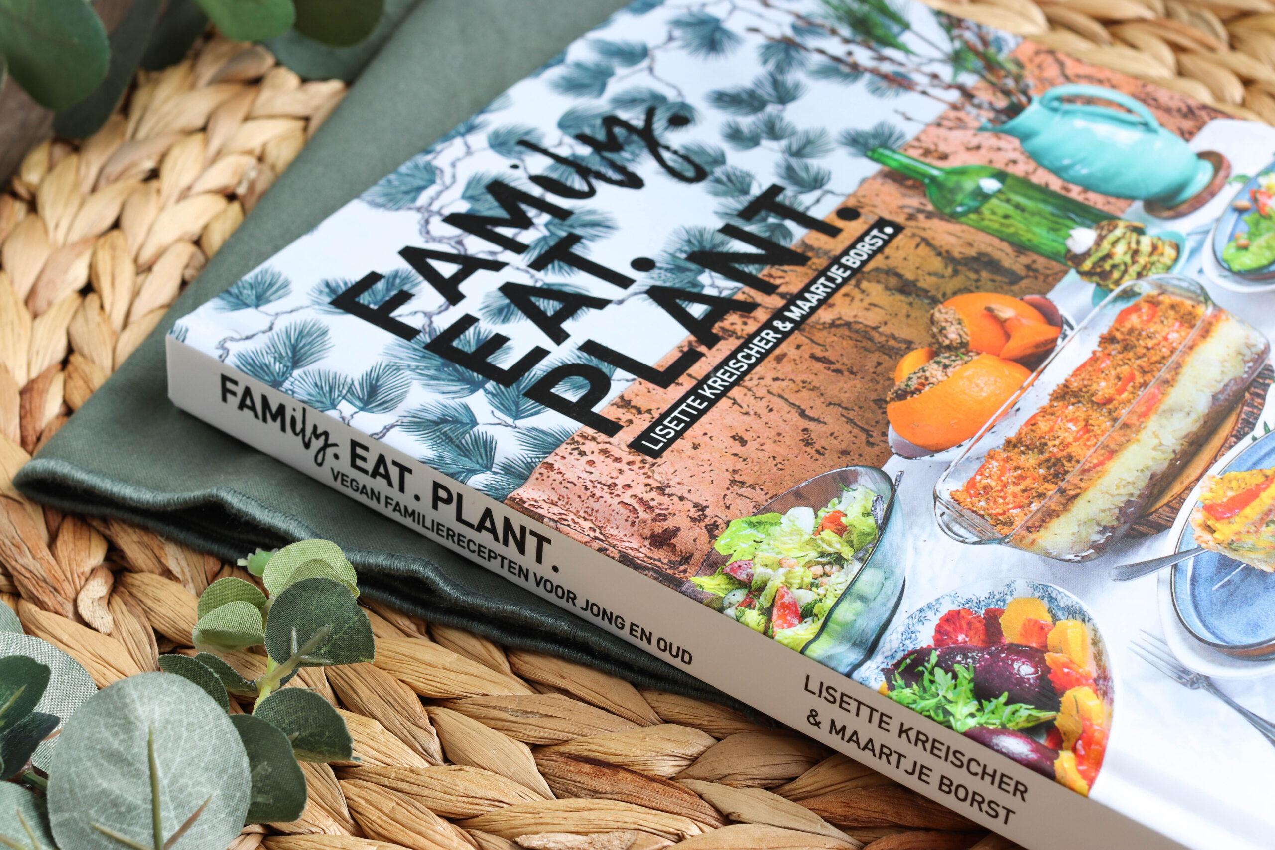 Family eat plant zijkant